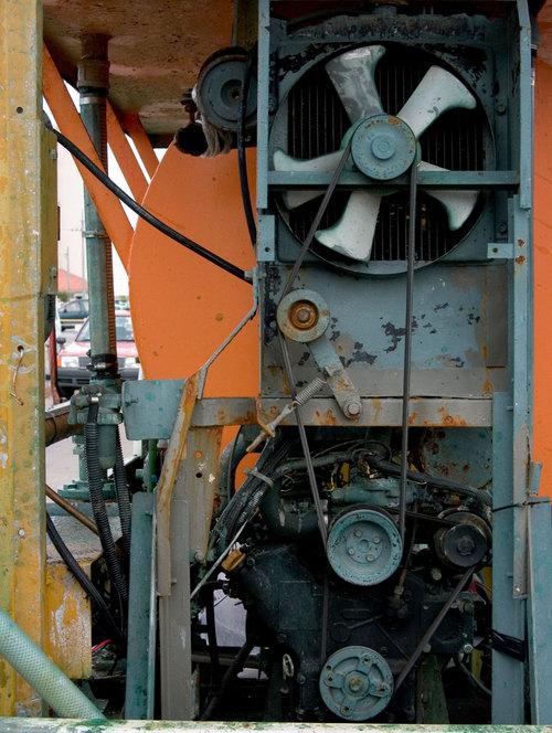 車に積まれたエンジン