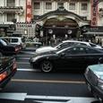 賑わう歌舞伎座