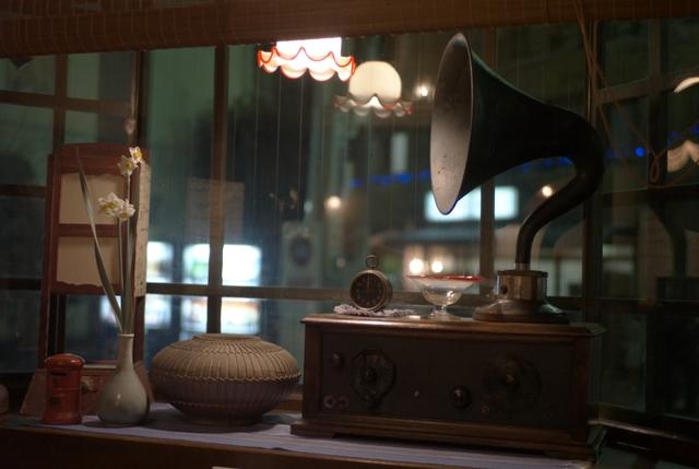 蓄音機のある風景