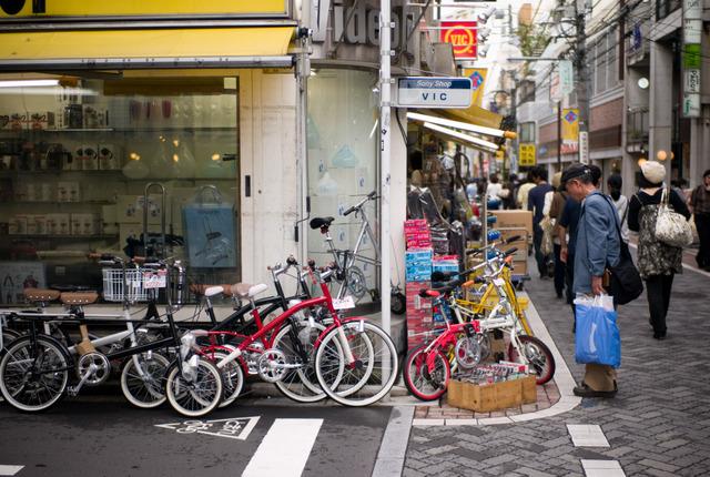 街角の自転車売り